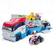 mancs-orjarat-kamion-jatekszett-ryder-figuraval-es-jármuvevel